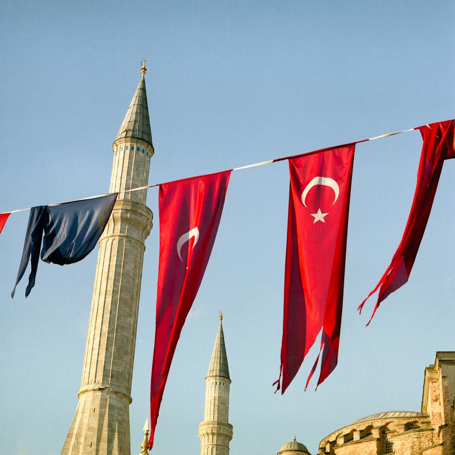 Hagia Sophia (Istanbul, Turkey) Pentacon Six TL, Carl Zeiss Jena Biometar 80mm f/2.8, Fujicolor Pro 160NC, Canoscan 9900F