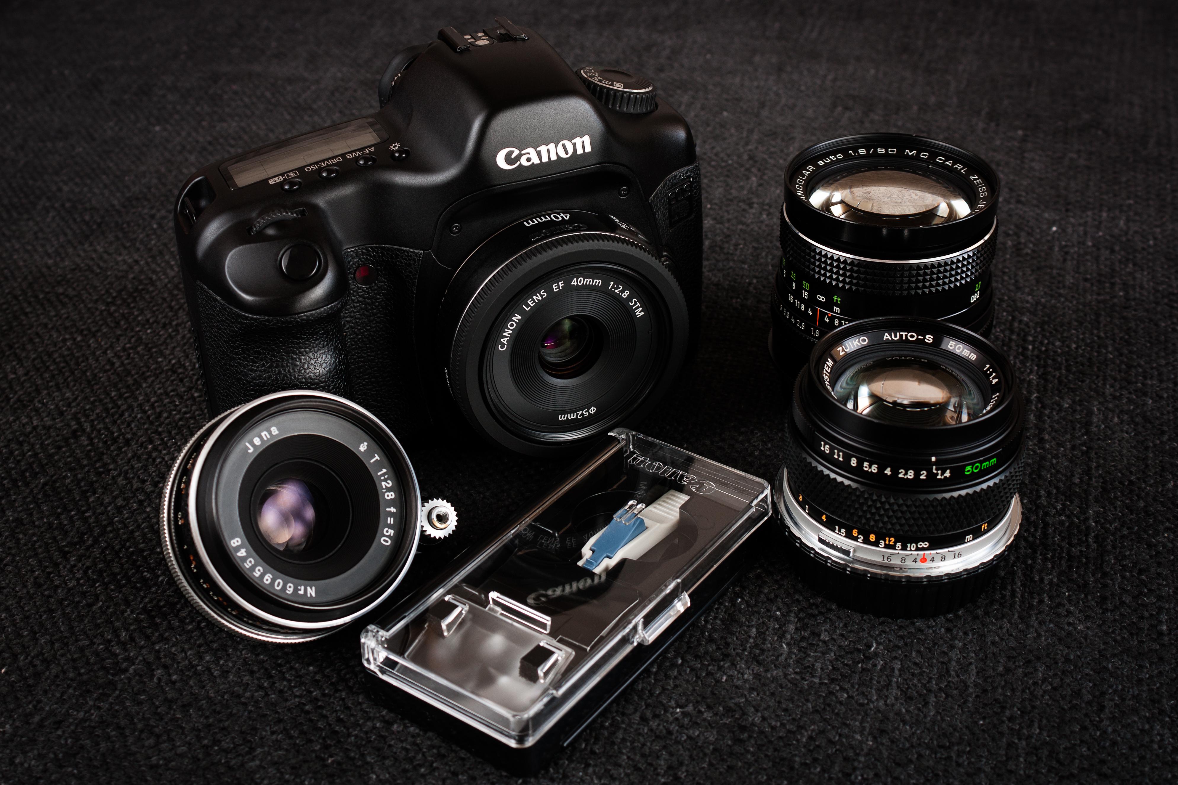 Canon EOES 5D, Canon 40mm f/2.8, Carl Zeiss Jena Pancolar 80mm f/1.8 (M42), Olympus Zuiko 50mm f/1.4 (Olympus OM), Carl Zeiss Jena Tessar 50mm f/2.8 (Exa)